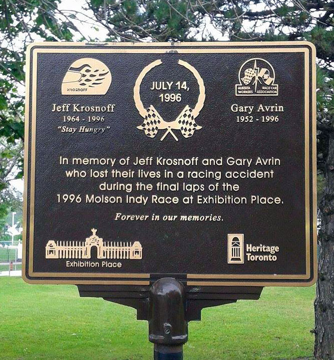 The memorial plaque honoring Jeff and Gary at the Toronto crash site. (Image: Tim Lindsay)