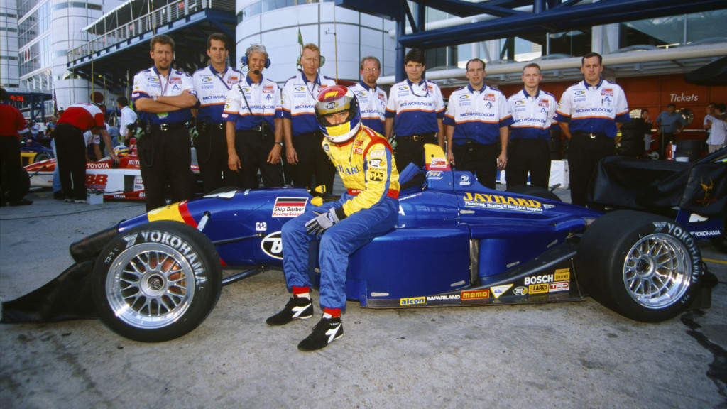 Houston, Texas, USA, 30th September - 1st October 2000. Rd 12. Dan Wheldon, with all the PPI Motorsports team, portrait. World Copyright: Phil Abbott/LAT Photographic. Ref: Colour Transparency.